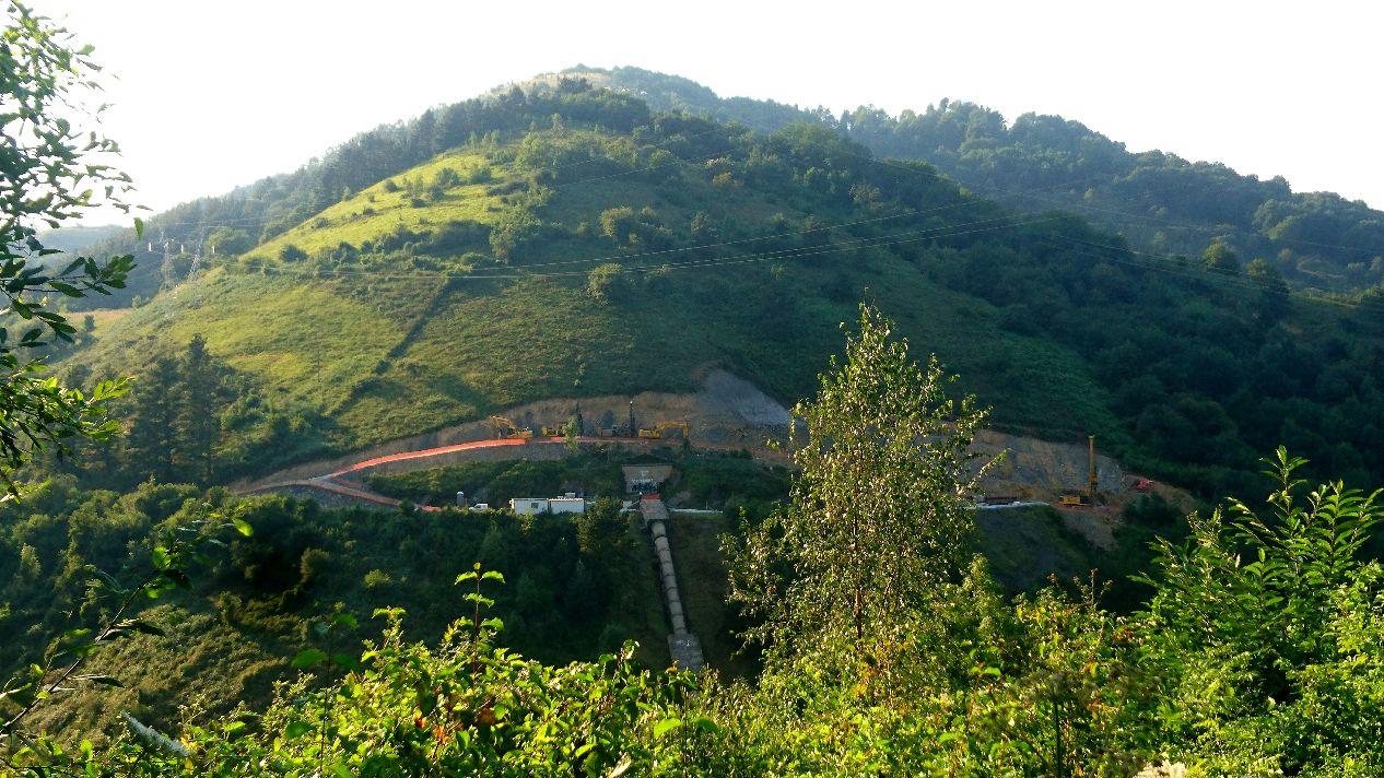 foto-4-valle-de-bolintxu-hacia-salida-del-tunel-de-arnotegi-despues_0
